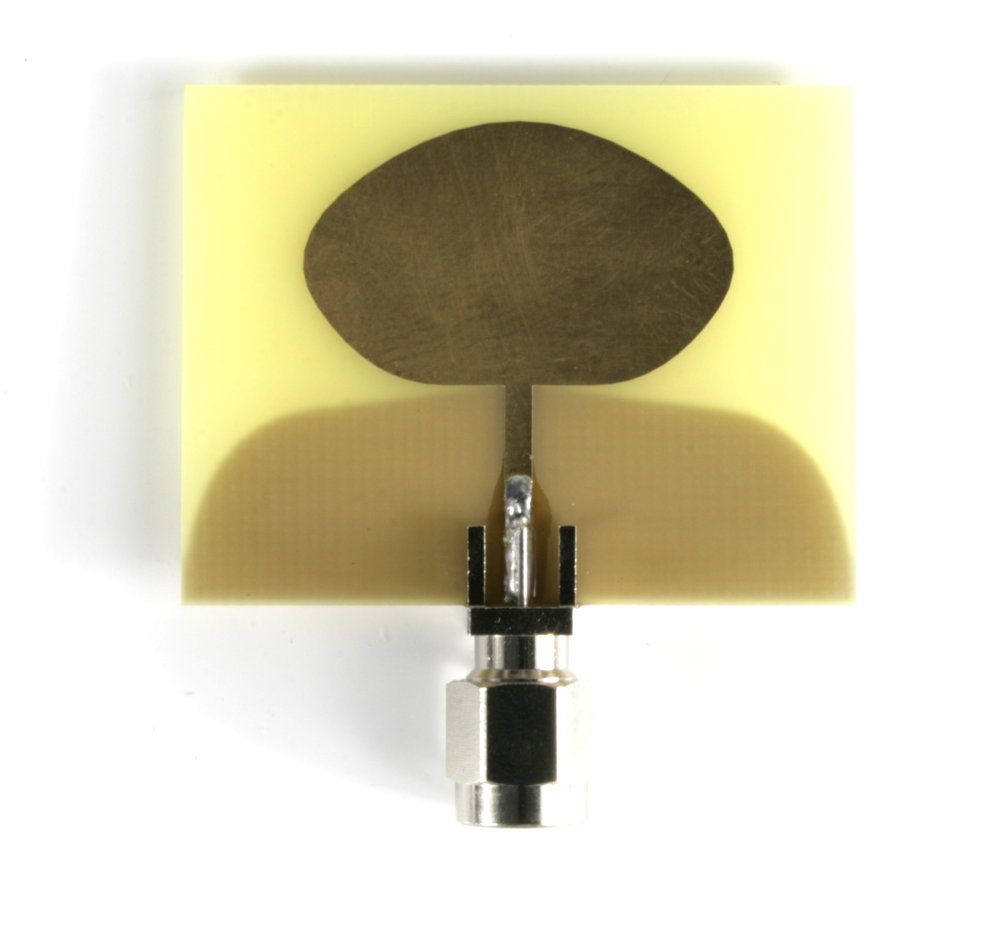 Ultra-Wideband (UWB) Antenna, 3-8GHz, SMA/PR-SMA, +2.2 dBi at 4 GHz, +3.3 dBi at 6.5 GHz